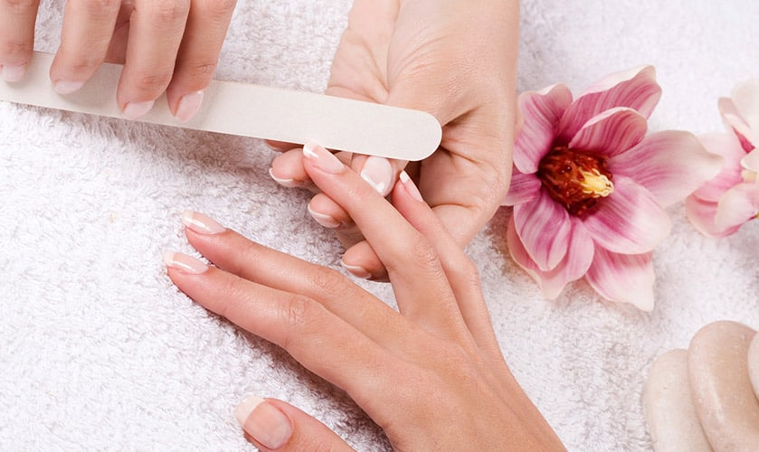 Do you want perfect nails? Then make a call